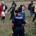 Migranti, per l'Austria chi entra illegalmente nell'Ue non deve poter chiedere asilo