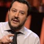 Salvini minaccia l'Ue: O ci aiuta sui migranti o sceglieremo altre vie