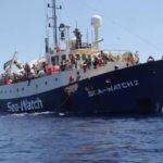 Salvini attacca le Ong e l'Ue sui migranti, la Francia per il protagonismo in Libia