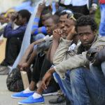 Juncker dà ragione a Conte sui migranti. La Commissione Ue aiuterà l'Italia, ma può fare poco