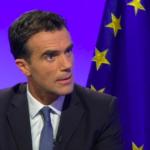 Sandro Gozi nel governo in Francia. Destra e M5S lo attaccano