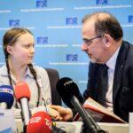 Greta Thunberg guida la marcia per il clima a Bruxelles. La settima in sette settimane