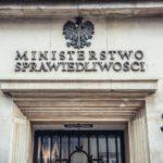 Giustizia, Corte UE accetta il ricorso della Commissione: riforma Polonia viola le regole