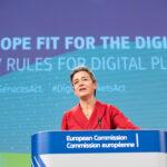 La Commissione vara il Digital Services Act e il Digital Markets Act. Vestager: