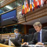 Brexit, il Parlamento Europeo ratifica accordo commerciale UE-Regno Unito. Sassoli: