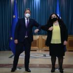 Kosovo, la strada del dialogo con la Serbia passa dai vaccini COVID. Parola della neo-presidente Vjosa Osmani