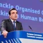 L'UE rafforza la lotta alla criminalità e alla tratta di esseri umani. Schinas:
