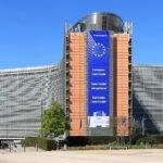 Riduzione (temporanea) delle tasse e sostegni diretti alle famiglie povere, le linee guida UE contro il caro energia
