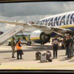 Bielorussia, volo Ryanair dirottato per arrestare giornalista. Sanzioni per