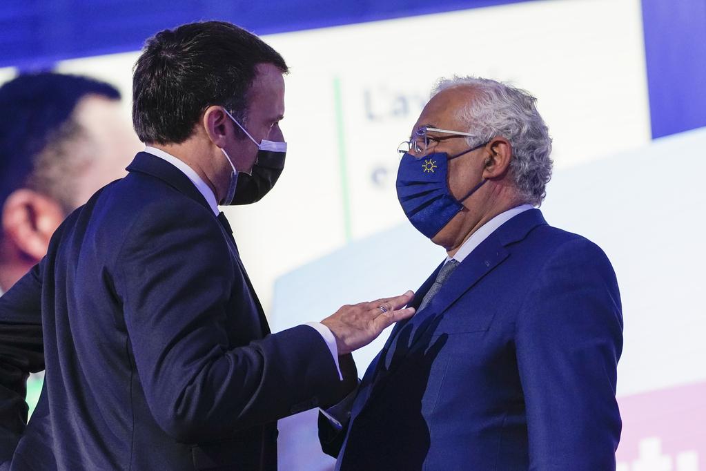 Il presidente francese Emmanuel Macron e il primo ministro portoghese António Costa