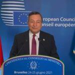 Draghi, non siamo ancora fuori dalla pandemia. Sui migranti tutta l'UE si muoverà insieme
