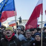 Polonia, in decine di migliaia in piazza per rimanere nell'Unione europea