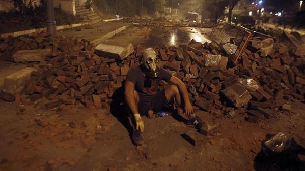 Violenti scontri nella notte in Turchia
