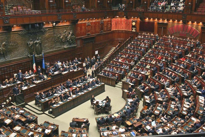 Troppo decreti legge in italia l 39 impennata dell 39 ultima for Camera deputati centralino