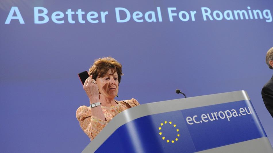 La commissaria per l'Agenda Digitale, Neelie Kroes, che si è battuta per la fine delle tariffe roaming