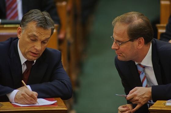 Tibor Navracsics con Viktor Orban