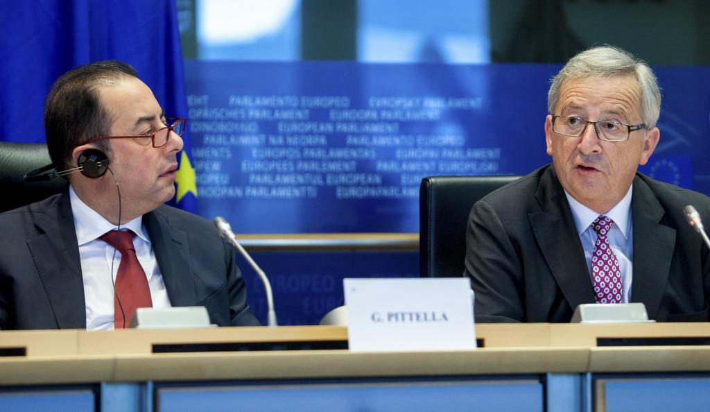 Gianni Pittella e Jean-Claude Juncker - ph. Parlamento europeo