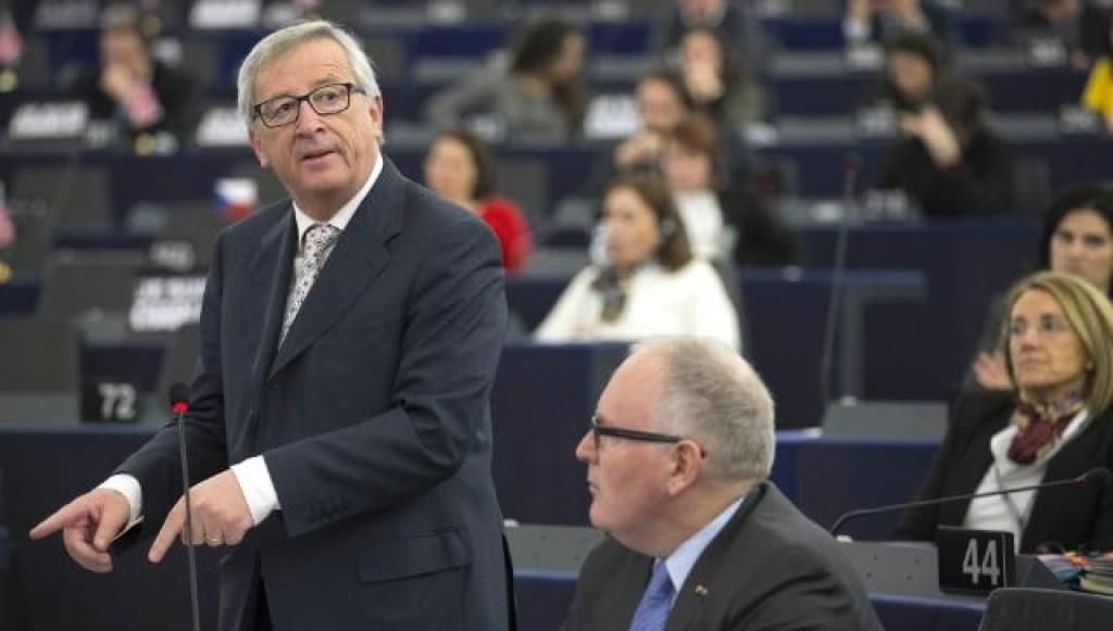 Jean-Claude Juncker parla a Strasburgo