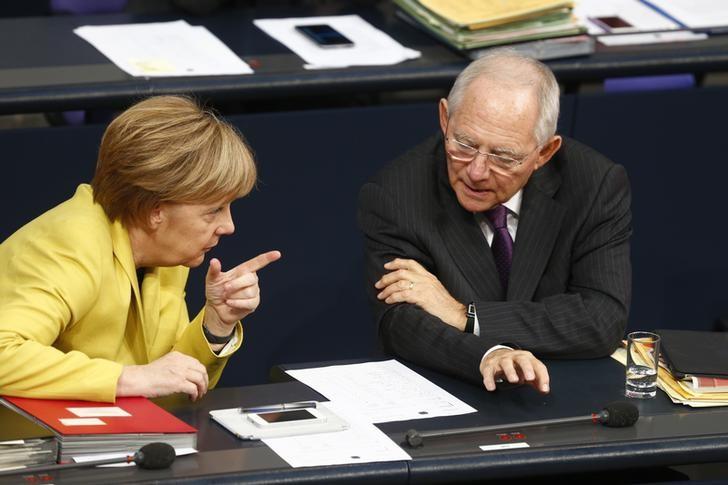 Schäuble, Schaeuble, tassa, benzina, immigrati