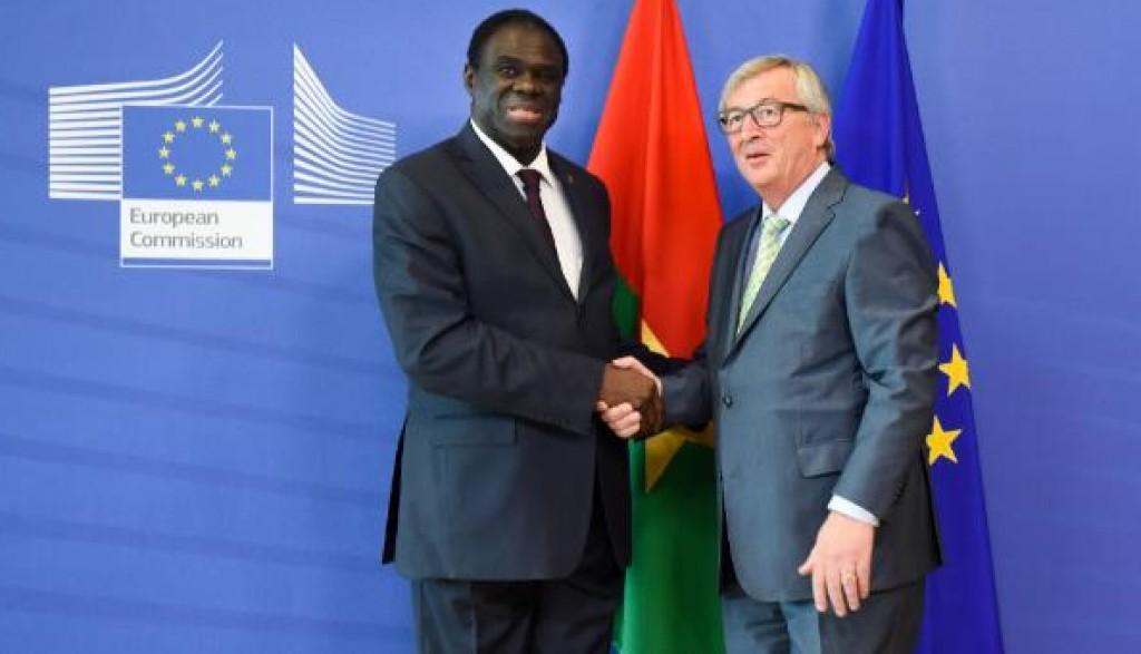 Kafando e Juncker durante la visita del presidente del Burkina Faso a Bruxelles nel giugno scorso