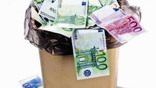 soldi-nel-cestino