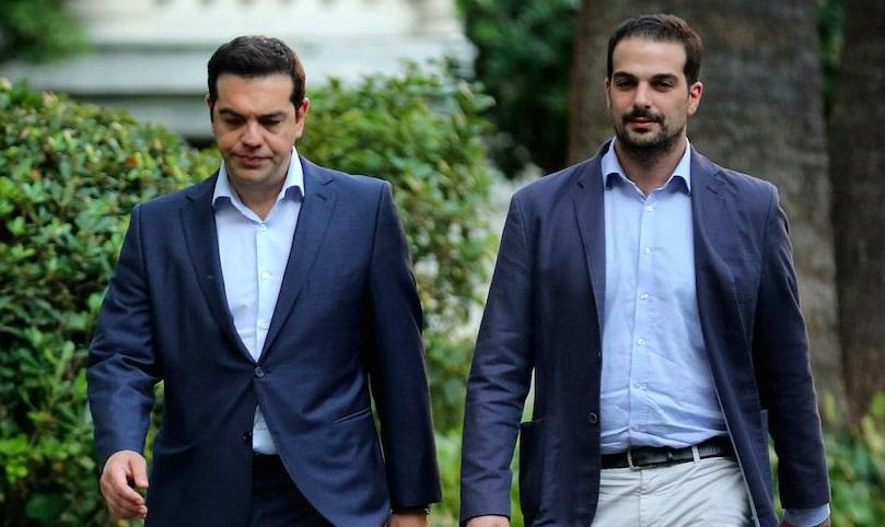 Tsipras e il suo ex portavoce, ora dissidente interno, Sakellaridis
