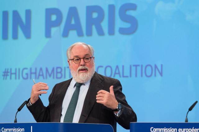 Il commissario Ue al Clima Miguel Arias Cañete - foto Commissione europea