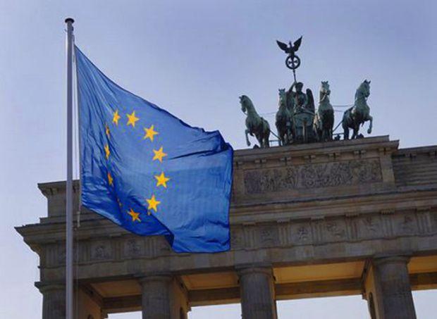 Bandiera_ue_germania_Berlino