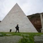 Piramide Cestia, Roma, restauro, turismo, Yuzo Yagi
