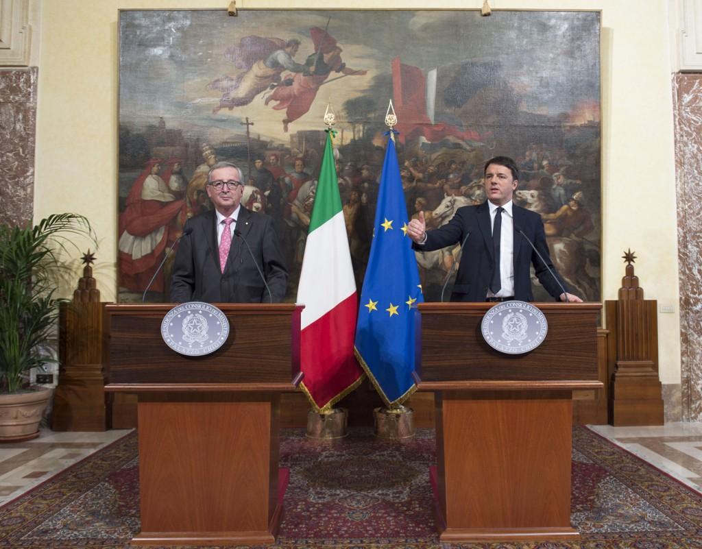 Il presidente della Commissione europea, Jean Claude Juncker, e il premier italiano Matteo Renzi (Foto: Barchielli, Palazzo Chigi)
