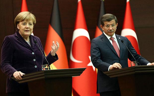 Merkel Davutoglu Turchia