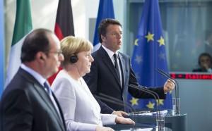 Hollande, Merkel e Renzi a Berlino (Foto: Barchielli, Palazzo Chigi)