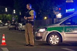 Polizia sul luogo dell'attentato ad Ansbach