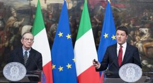 Il presidente del Consiglio, Matteo Renzi, e il ministro dell'Economia, Pier Carlo Padoan (Foto: Barchielli, Palazzo Chigi)