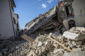 Terremoto, Centro Italia devastato dal sisma: il giorno dopo