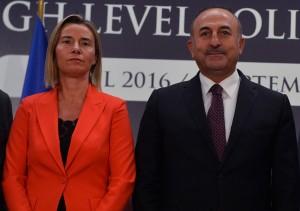 Federica Mogherini e Mevlüt Çavuşoğlu - foto Eu Commission